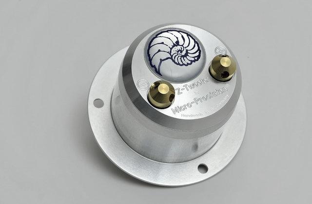 武汉音乐之声奔驰g500汽车音响改装 德国海螺录音室喇叭改装