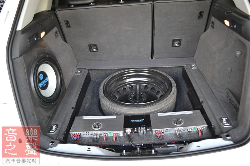 武汉奥迪q5汽车音响改装三分频倒模丨后备箱魔立方
